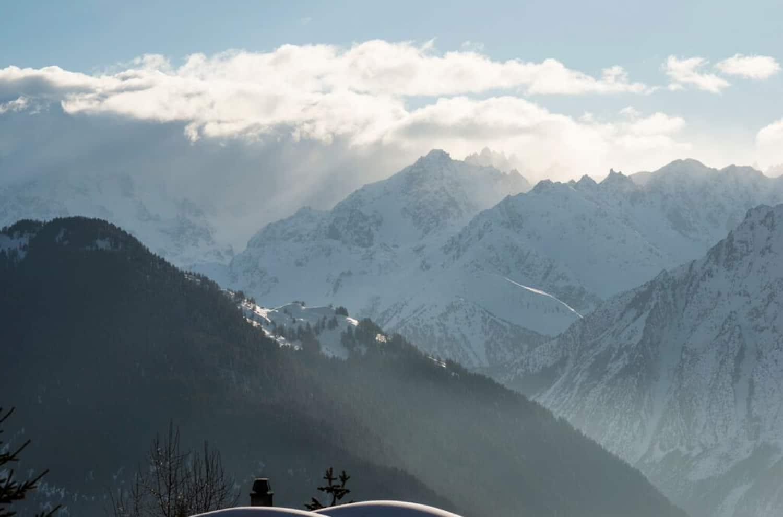 mountain-ski-chalet-landscape