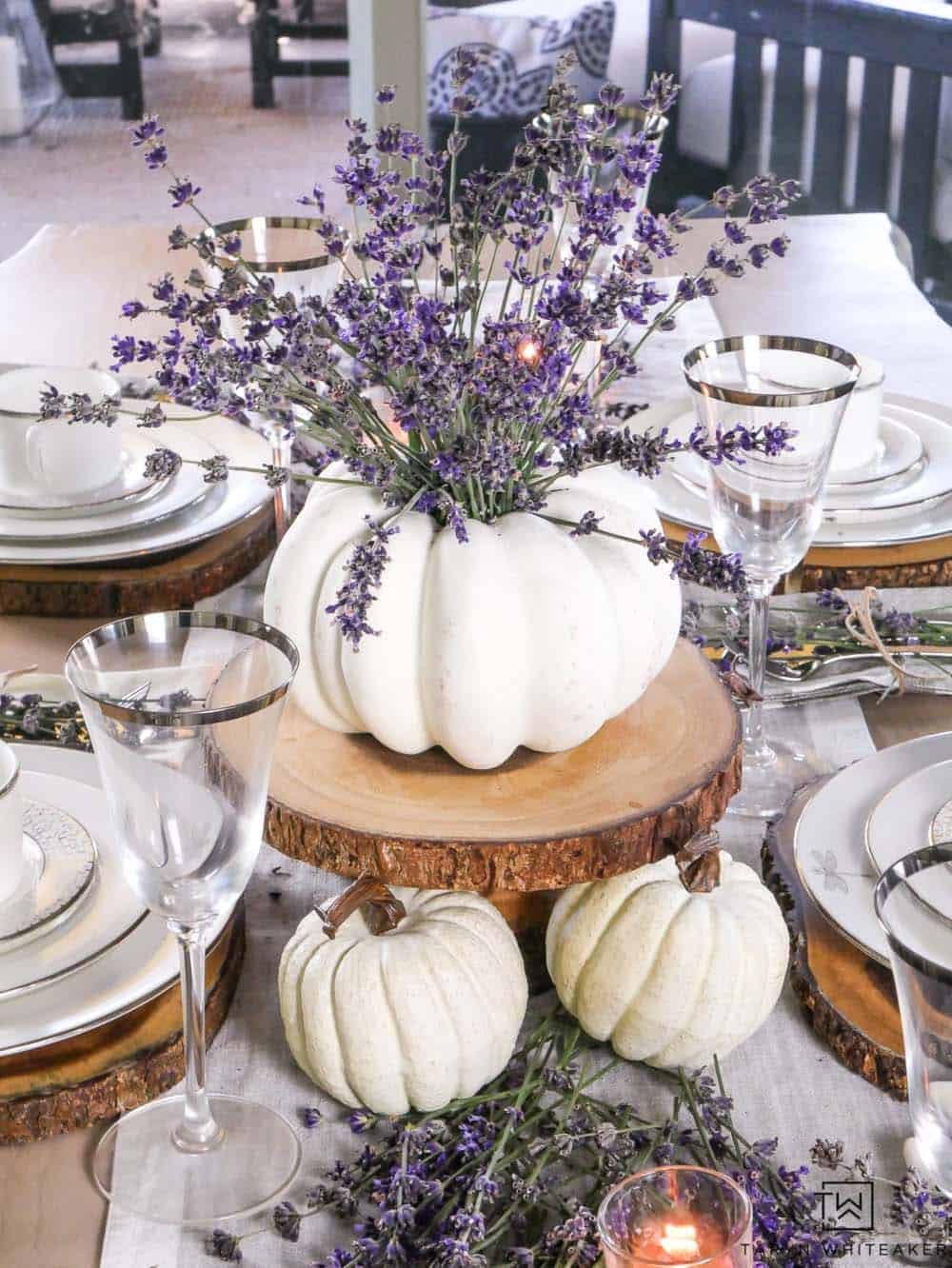 gorgeous-thanksgiving-centerpiece-idea-lavender