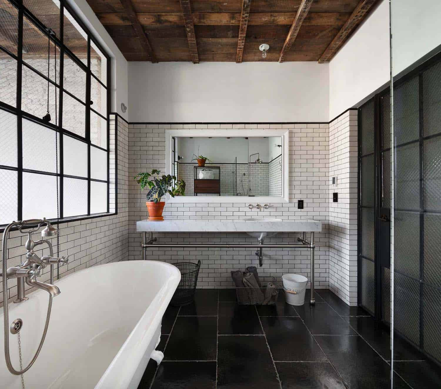 townhouse-bathroom-industrial