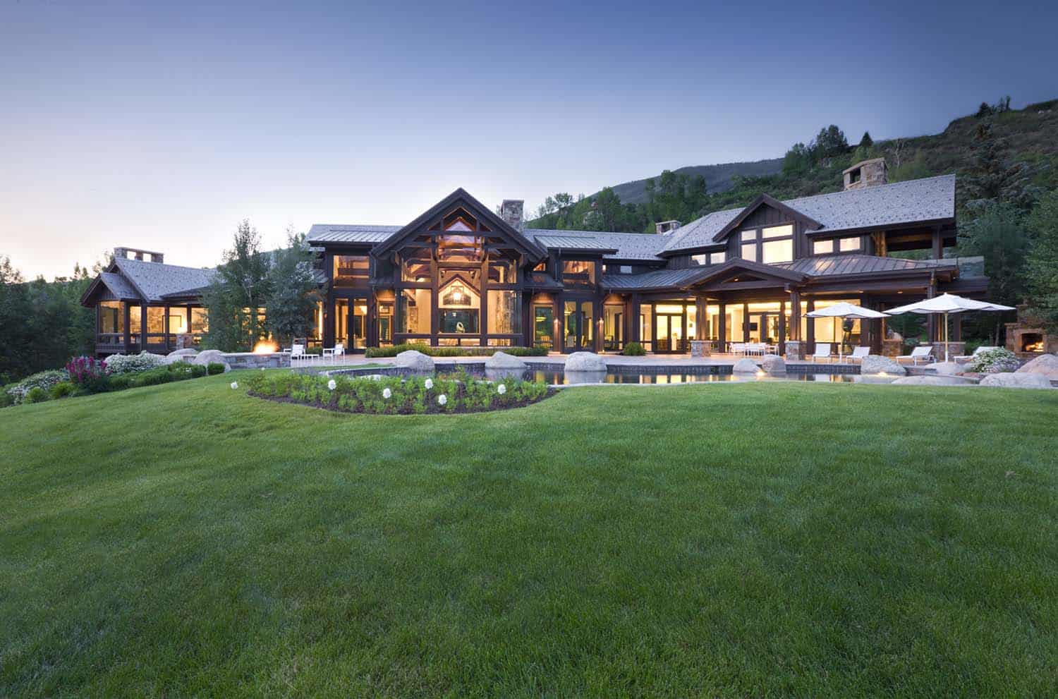 contemporary-mountain-home-exterior