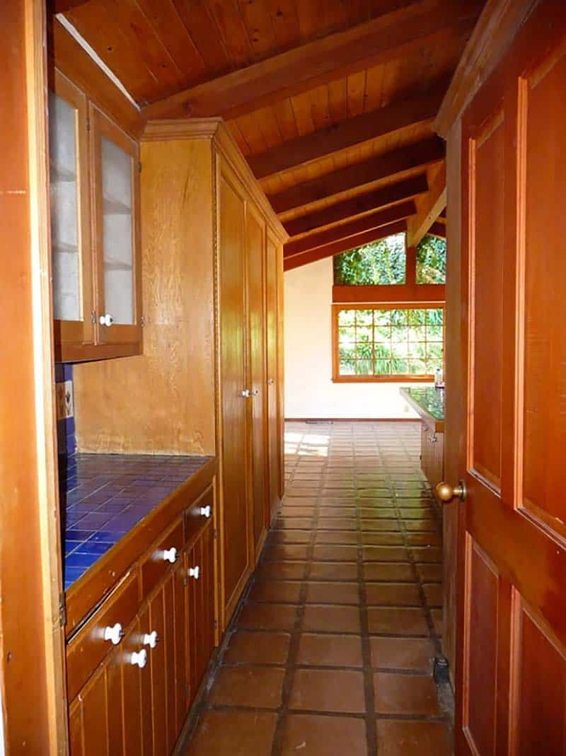 mid-century-modern-ranch-before-remodel-pictures-kitchen