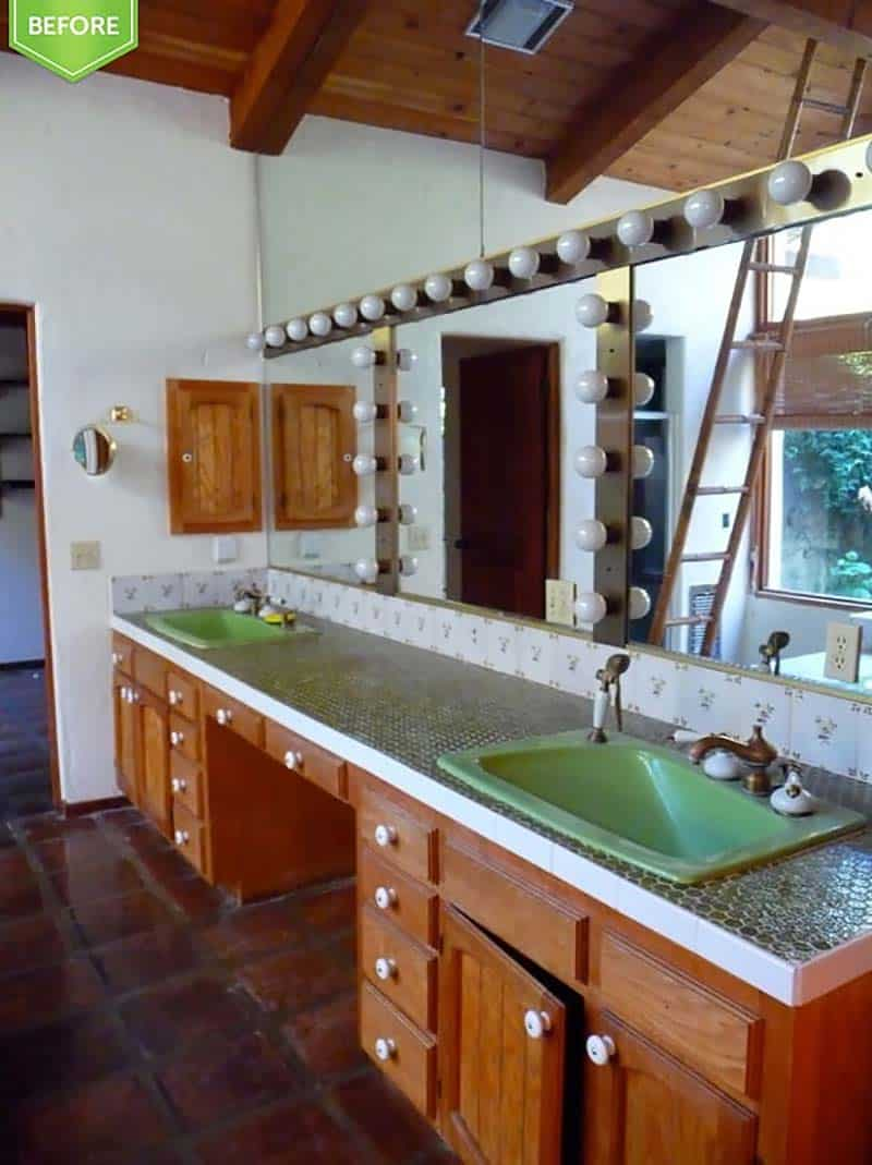 mid-century-modern-ranch-before-remodel-pictures-bathroom