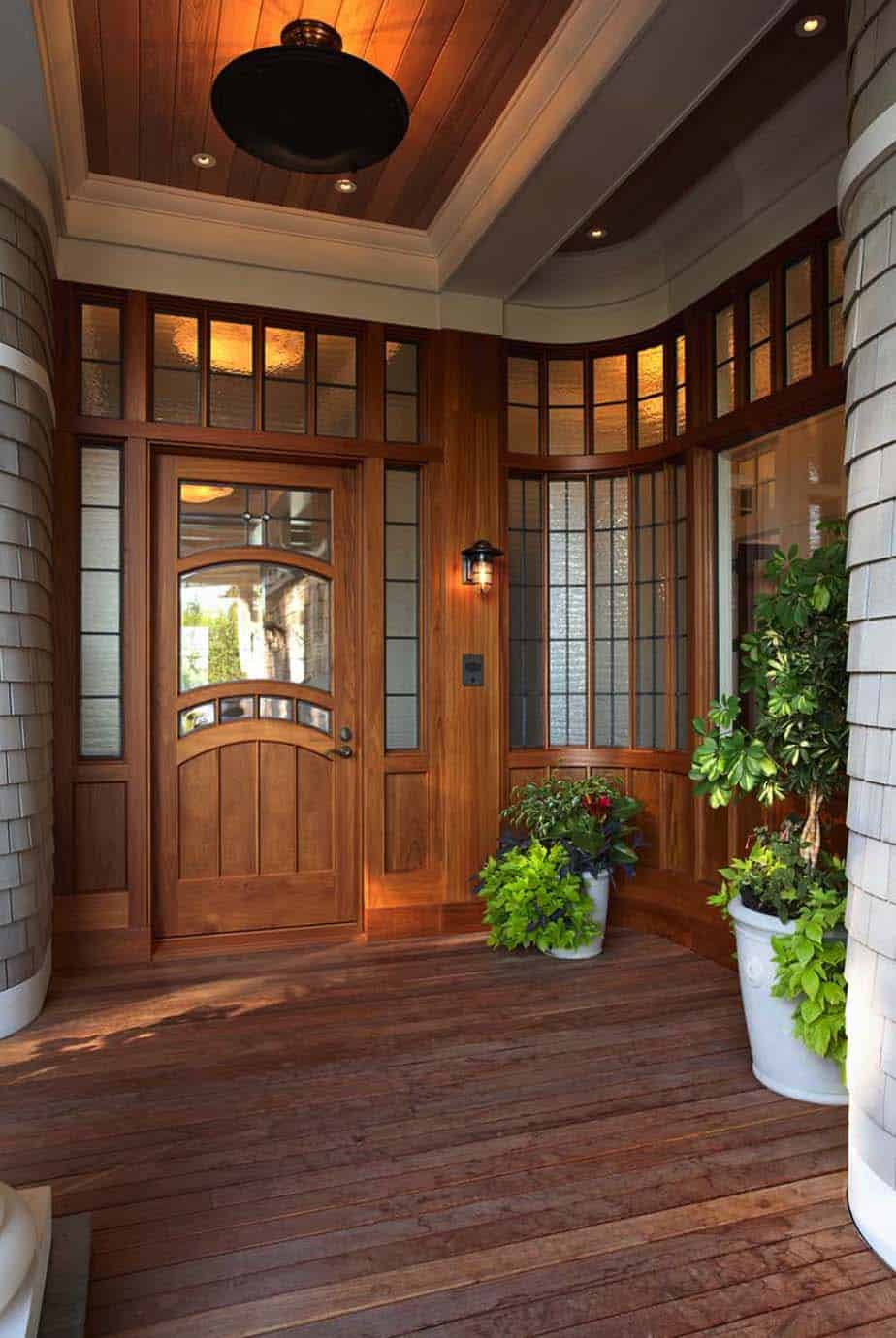 minnetonka-shingle-style-victorian-entry