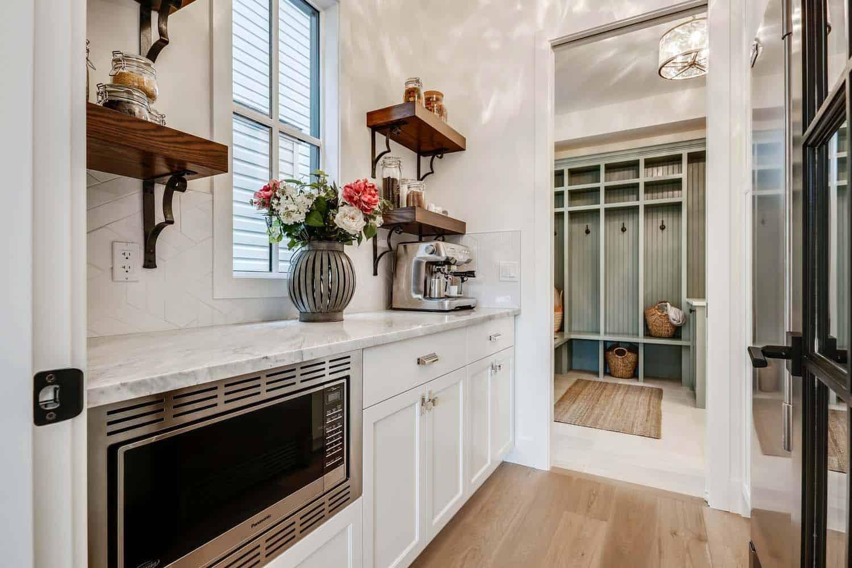 modern-farmhouse-kitchen-butlers-pantry