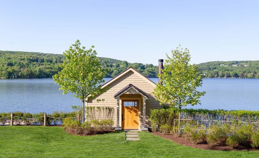 berkshire-lake-house-modern-exterior