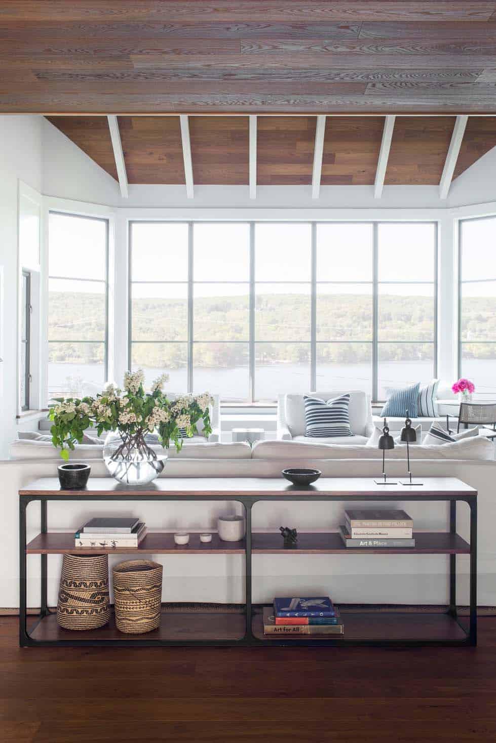 lake-house-modern-living-room