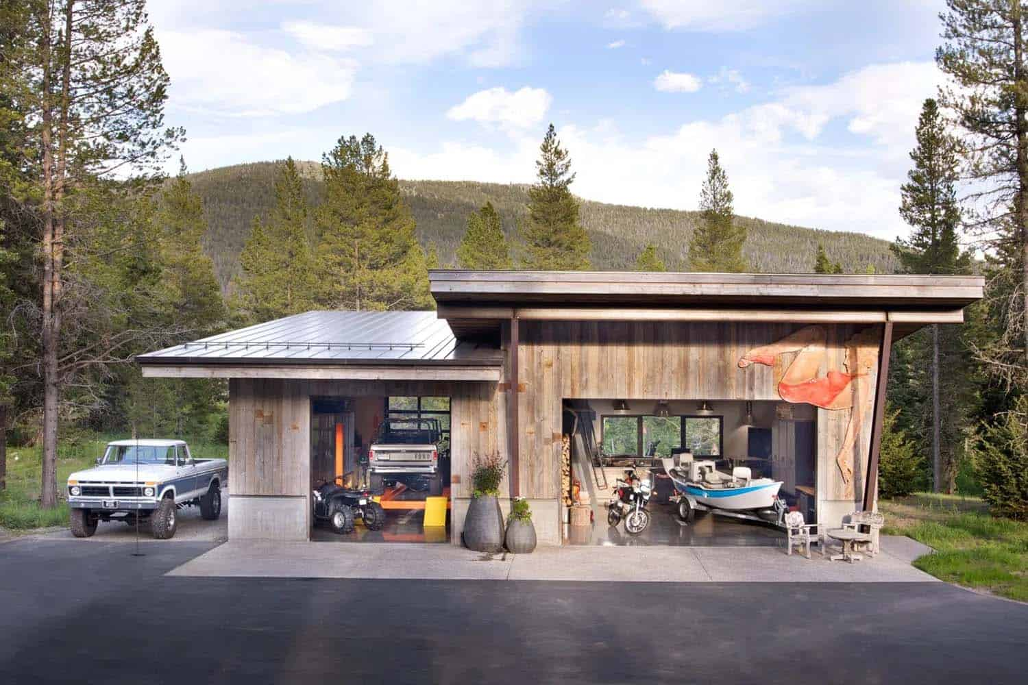 mountain-home-garage