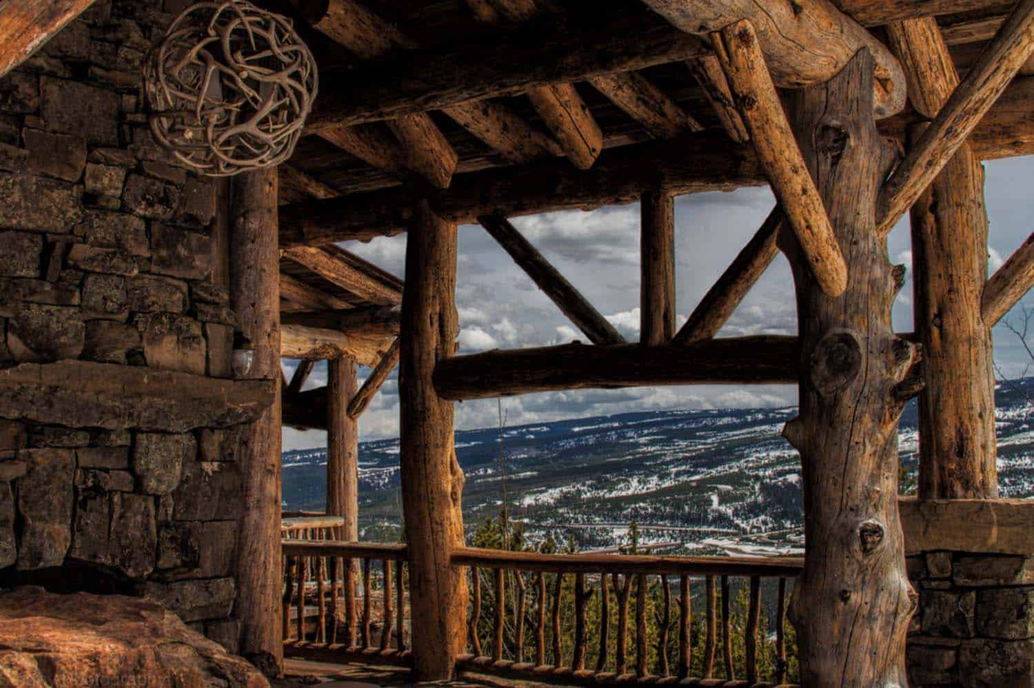 mountain-ski-lodge-rustic-porch