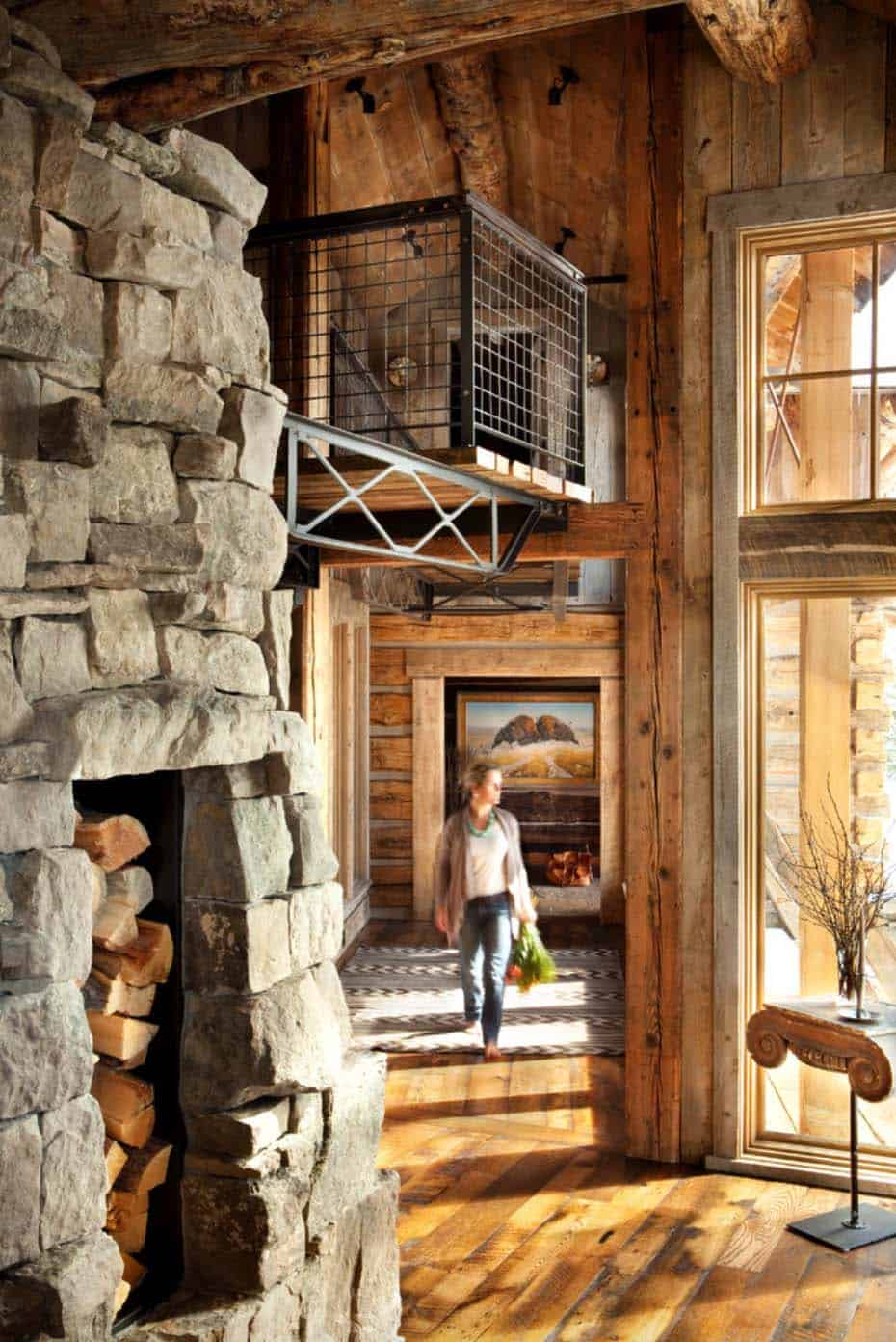 mountain-rustic-hall