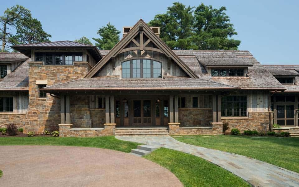 northern-wisconsin-rustic-cabin-retreat-exterior