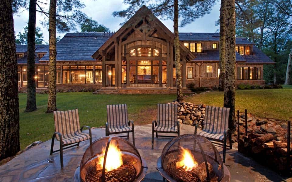 northern-wisconsin-rustic-cabin-retreat-exterior