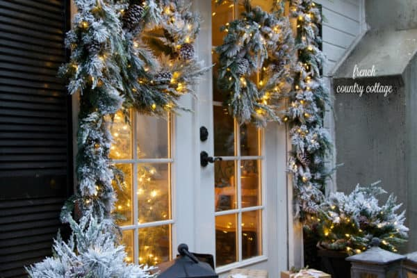 featured posts image for 30 Stunning Outdoor Christmas Decorations To Make The Season Bright
