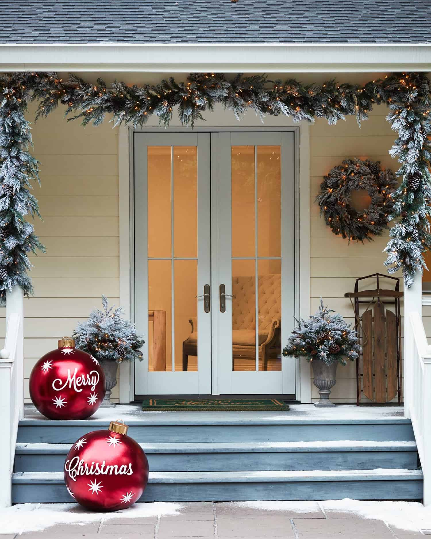 stunning-outdoor-decorations-christmas-ornaments
