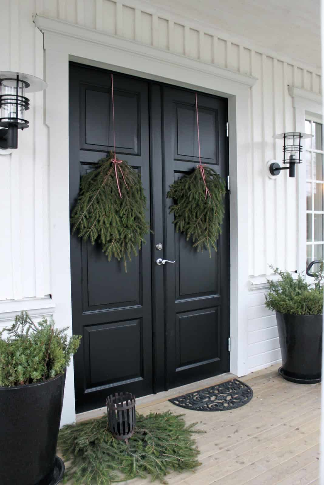 stunning-outdoor-decorations-christmas-wreath