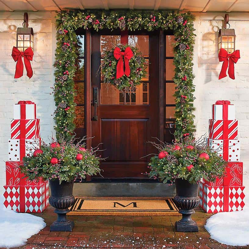 stunning-outdoor-decorations-christmas-garland