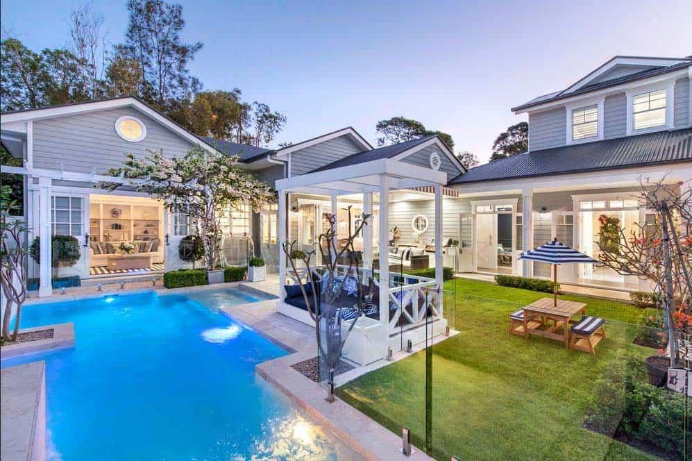 hamptons-style-home-pool