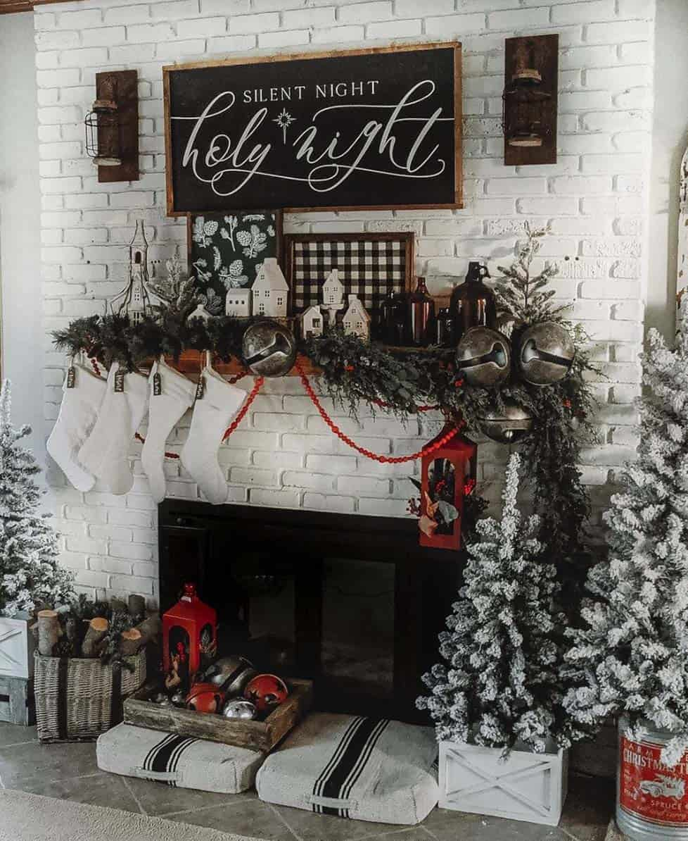 rustic-farmhouse-christmas-decorating-ideas-fireplace