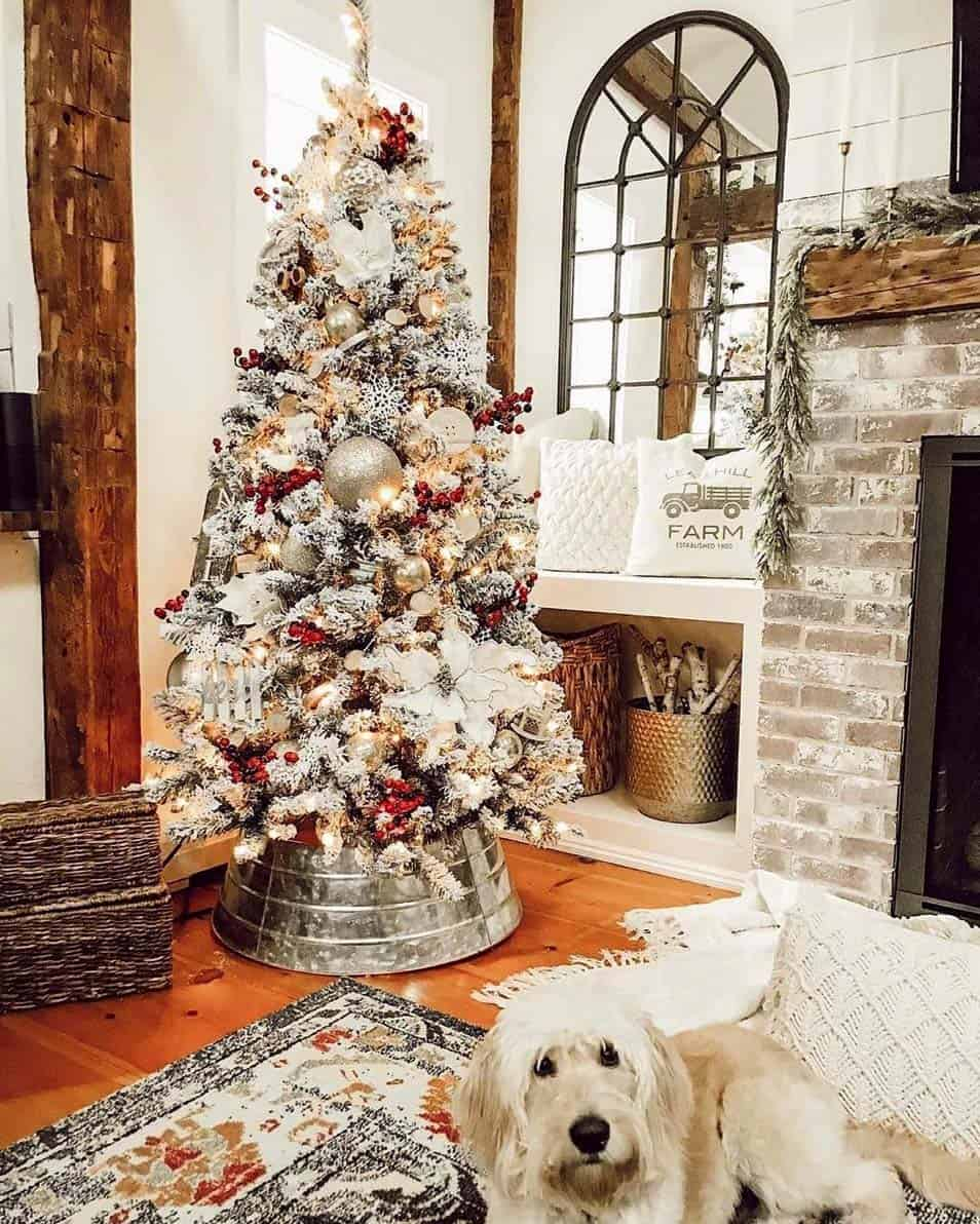 rustic-farmhouse-christmas-decorating-ideas-living-room-tree
