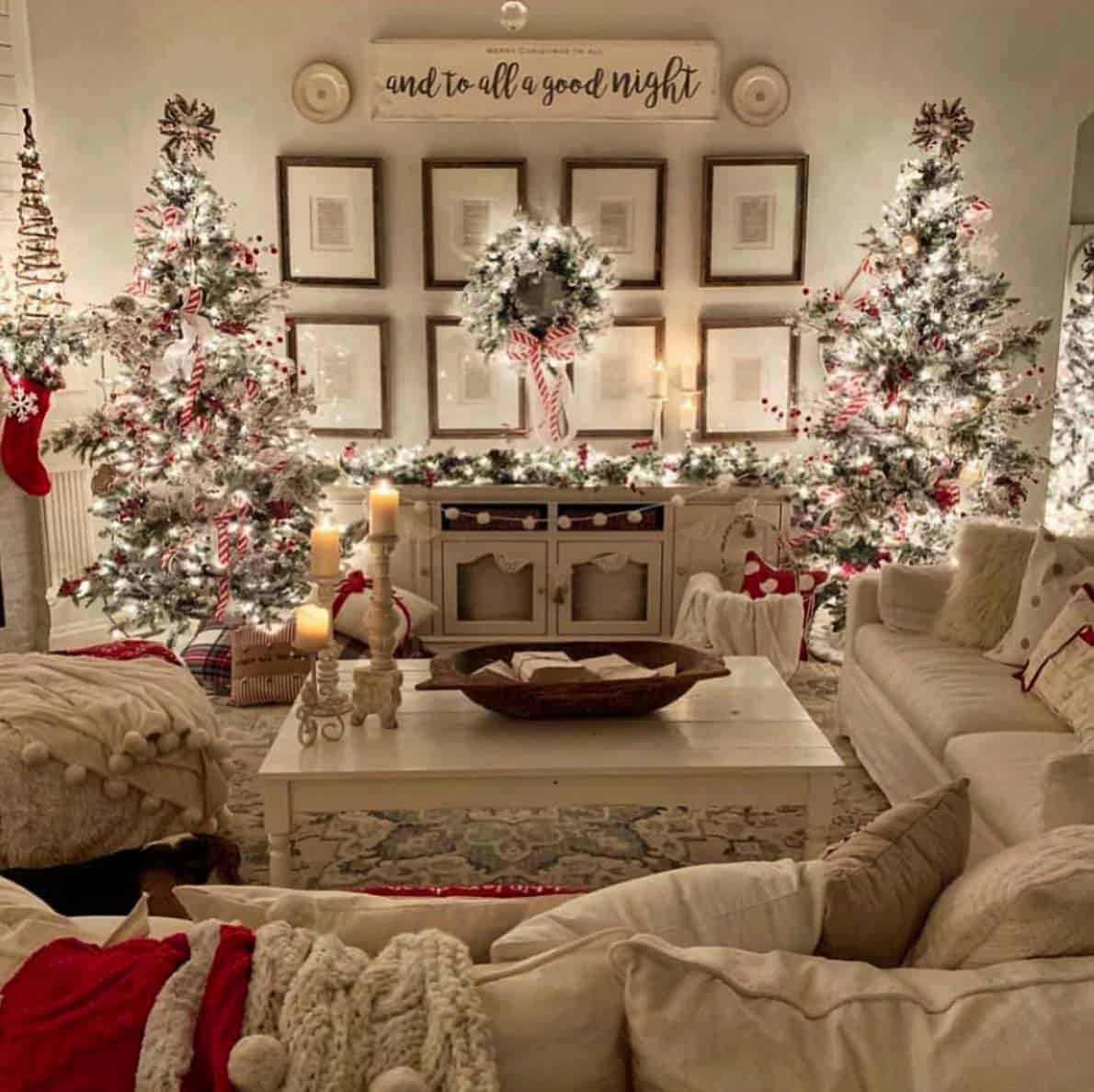 Holiday Home Design Ideas: 40+ Cozy And Wonderful Rustic Farmhouse Christmas