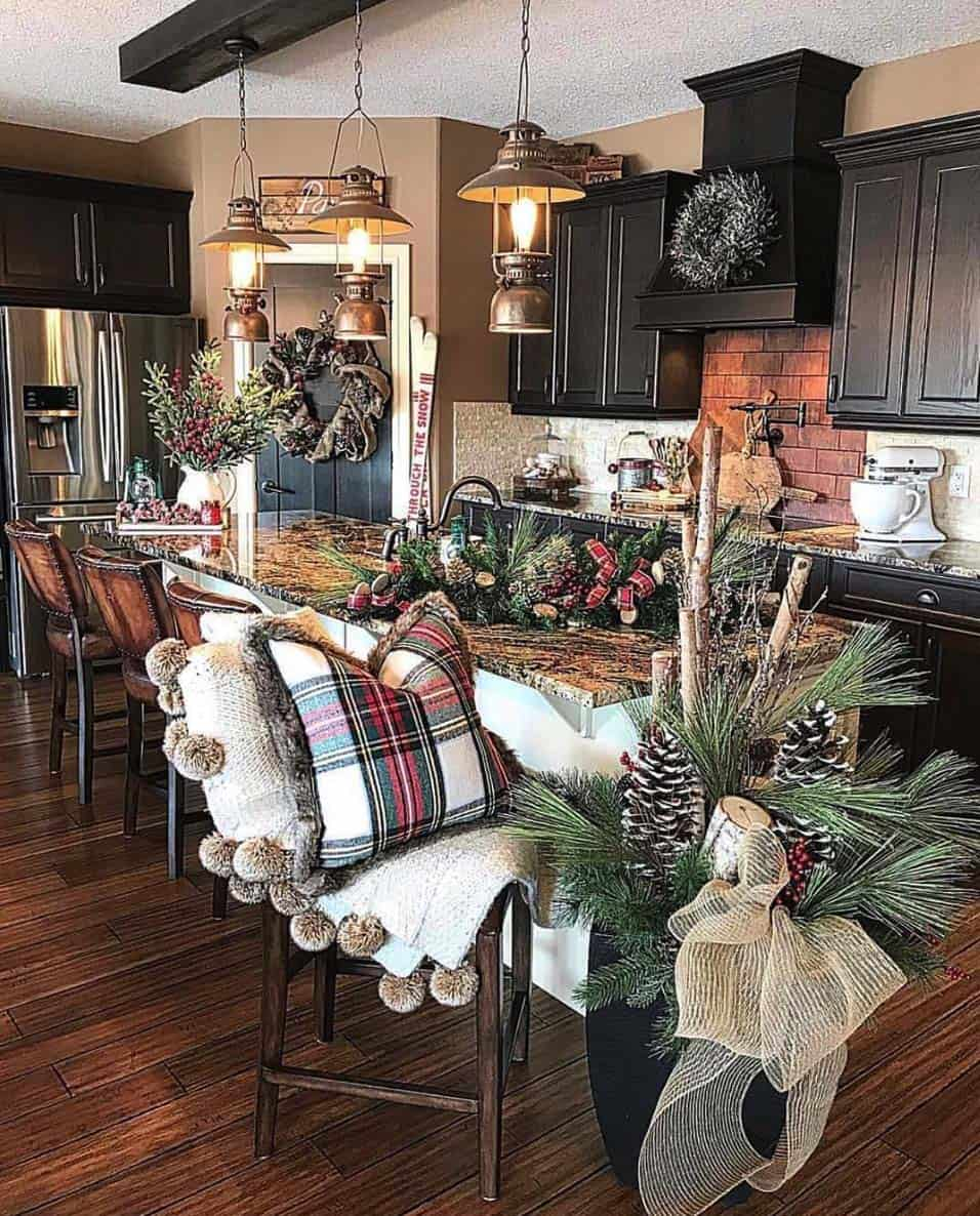rustic-farmhouse-christmas-decorating-ideas-kitchen