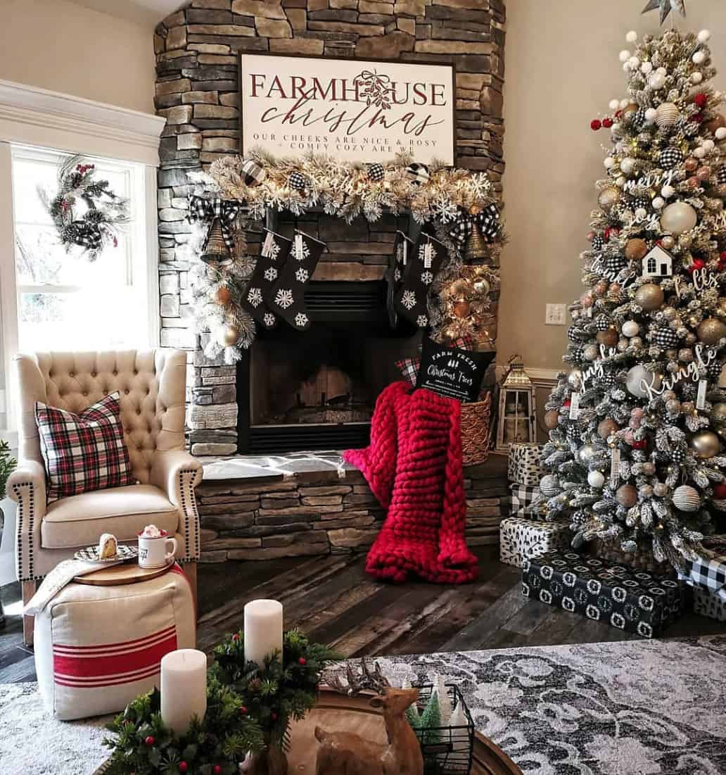 rustic-farmhouse-christmas-decorating-ideas-living-room-fireplace-christmas-tree