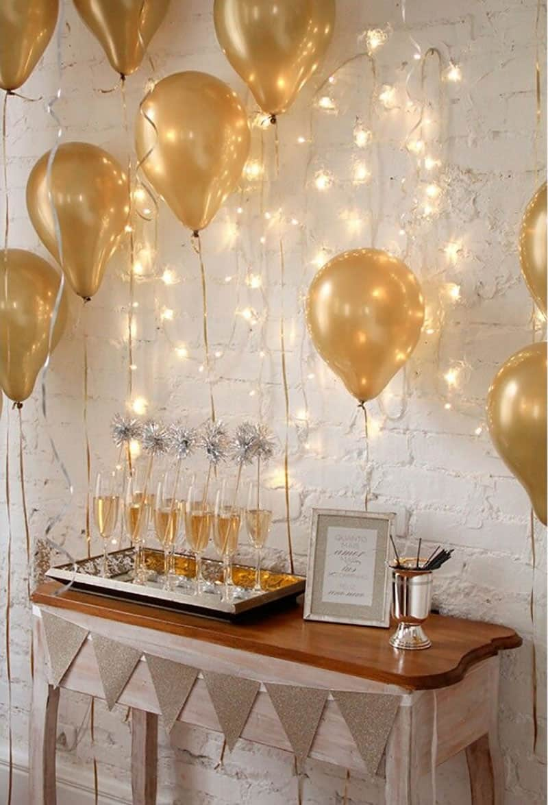 new-years-eve-balloon-party-table