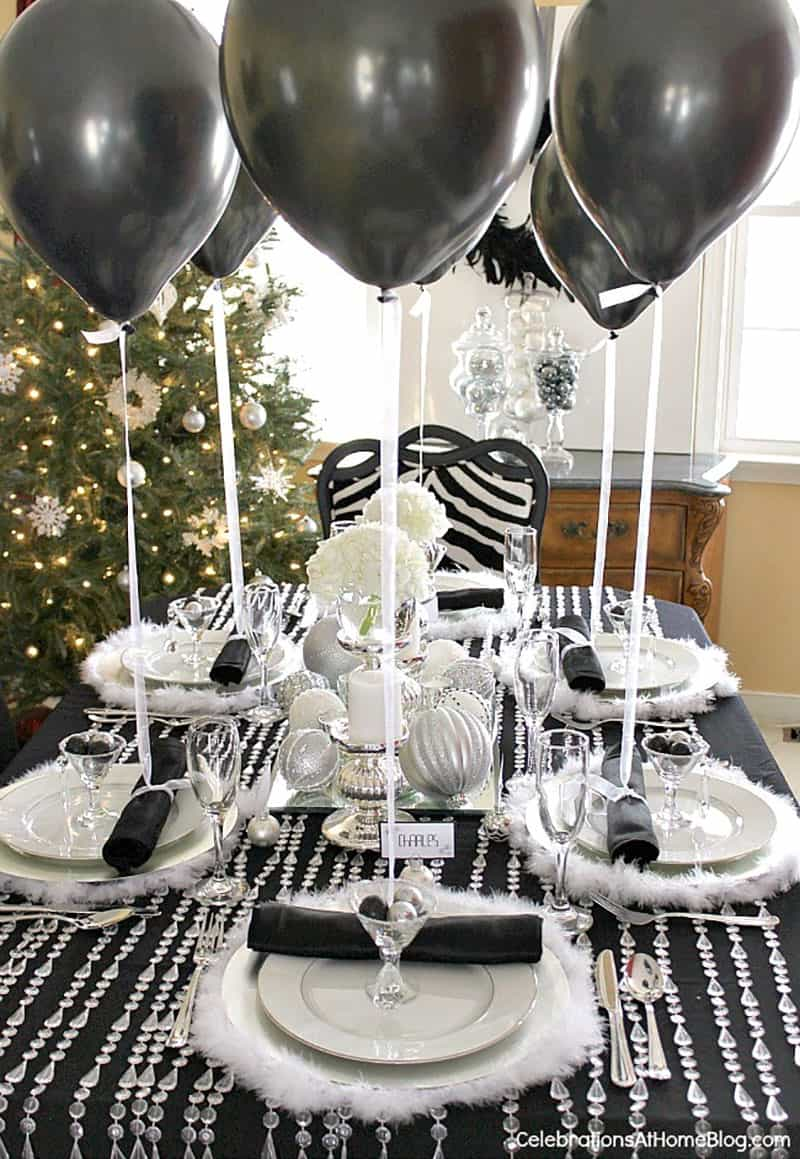 new-years-eve-party-table