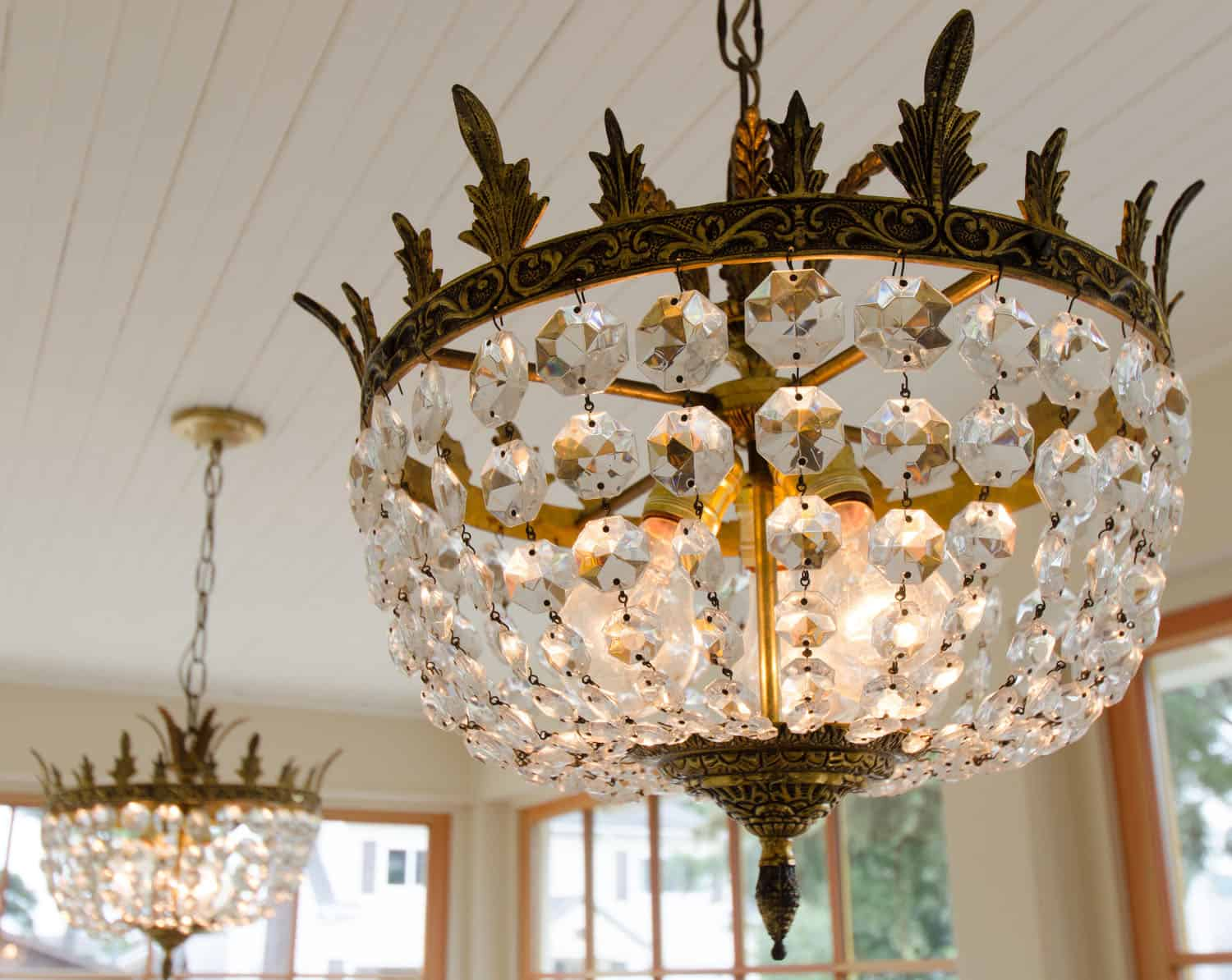 beach-style-dining-room-chandelier