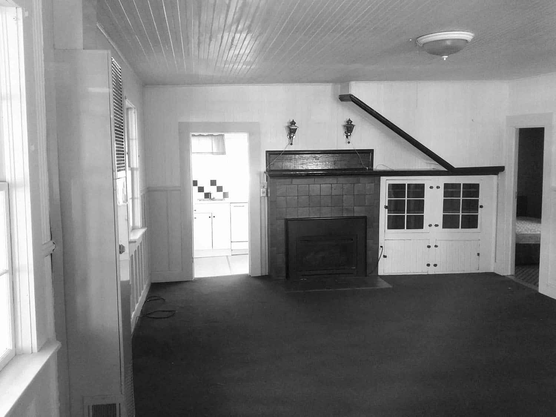beach-house-living-room-before-remodel