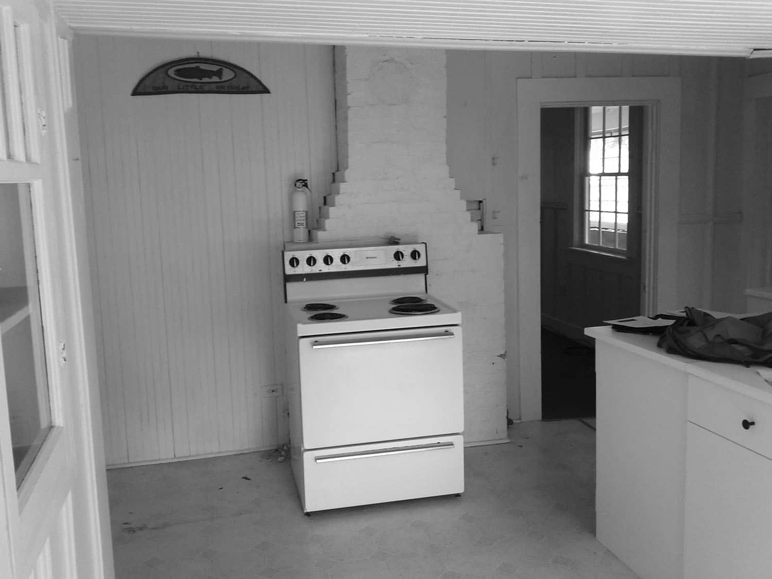 beach-house-kitchen-before-remodel