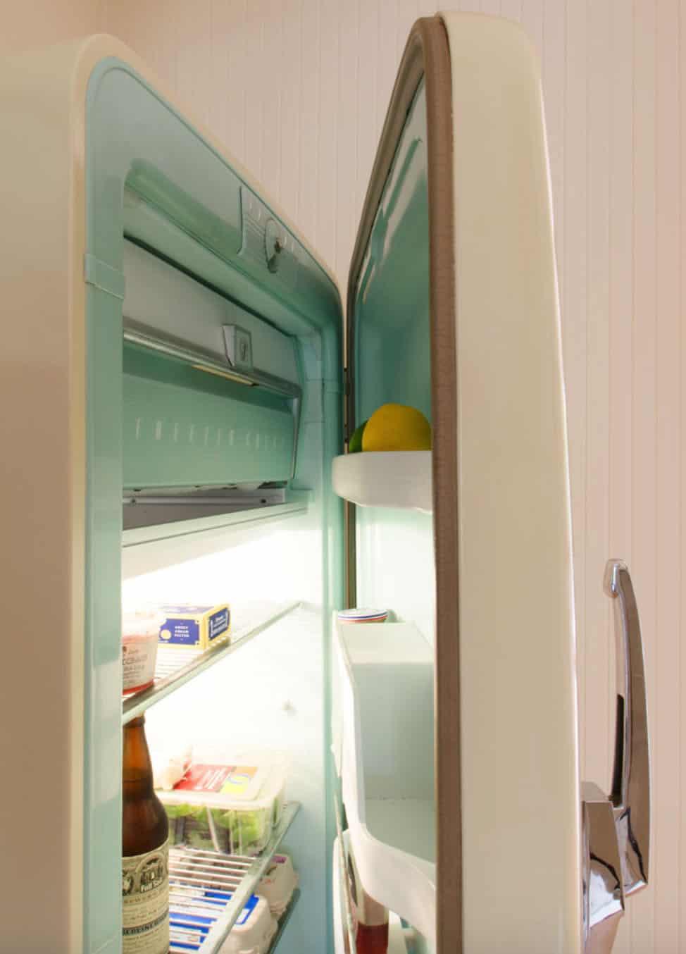 beach-style-kitchen-fridge