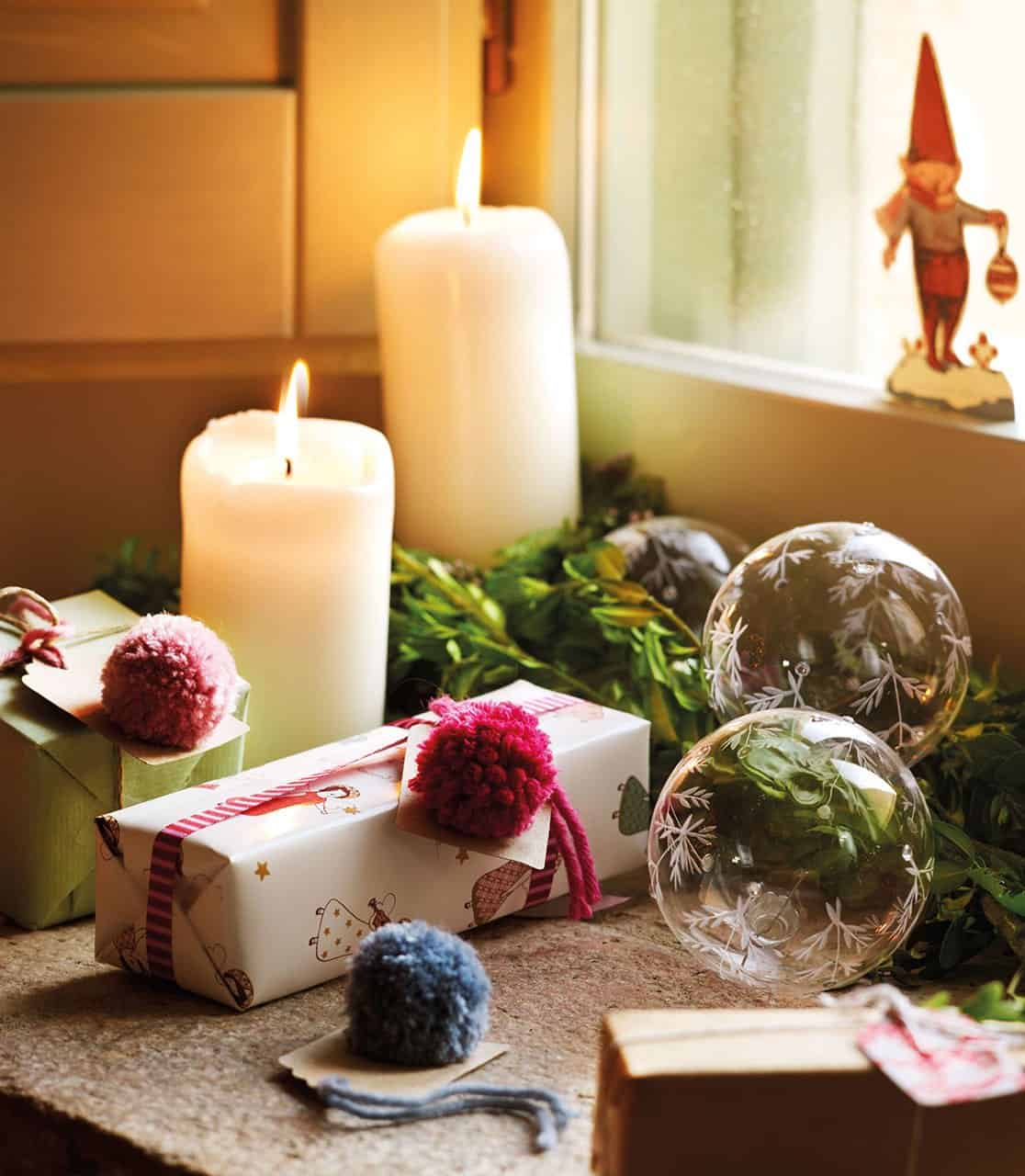 christmas-decorated-old-farmhouse