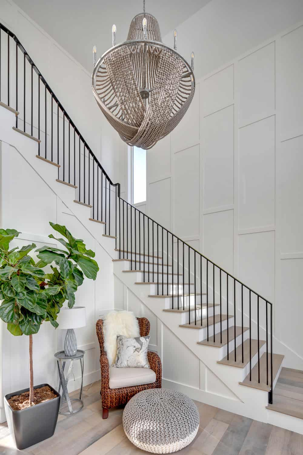 contemporary-foyer-entry-staircase