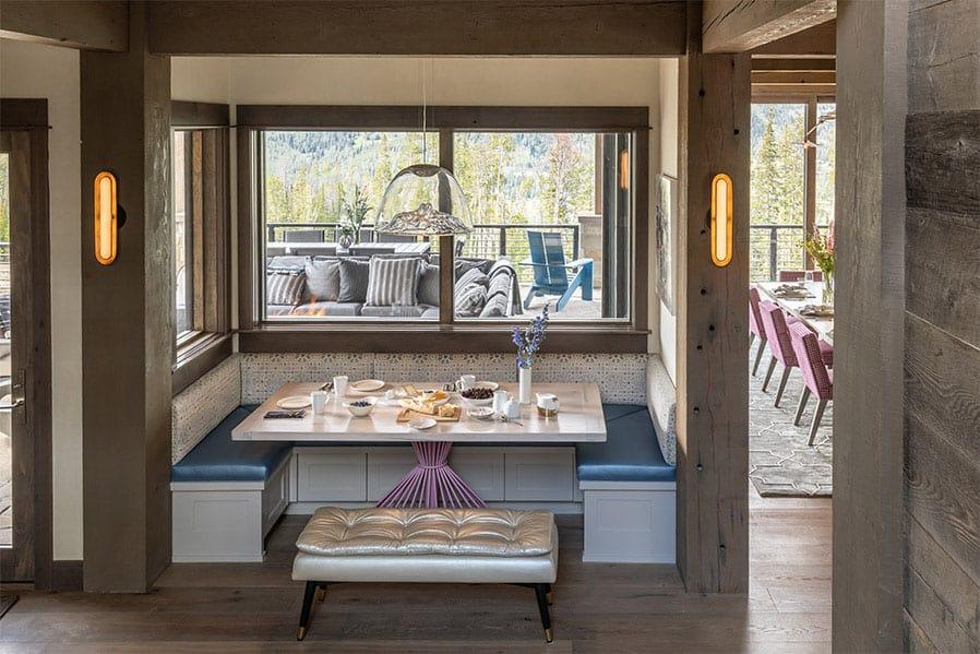 contemporary-lodge-style-kitchen-breakfast-nook
