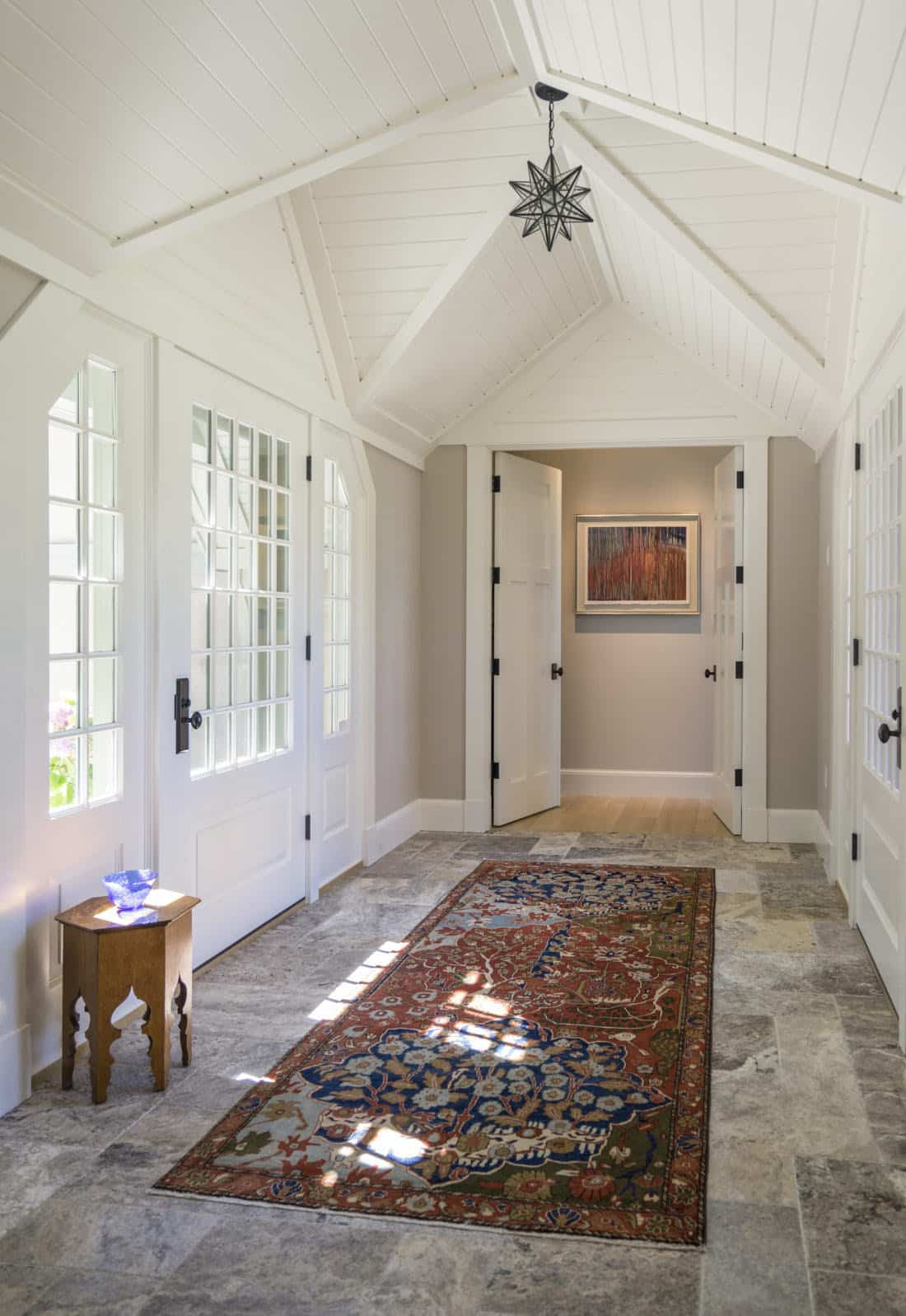 craftsman-style-cottage-entry