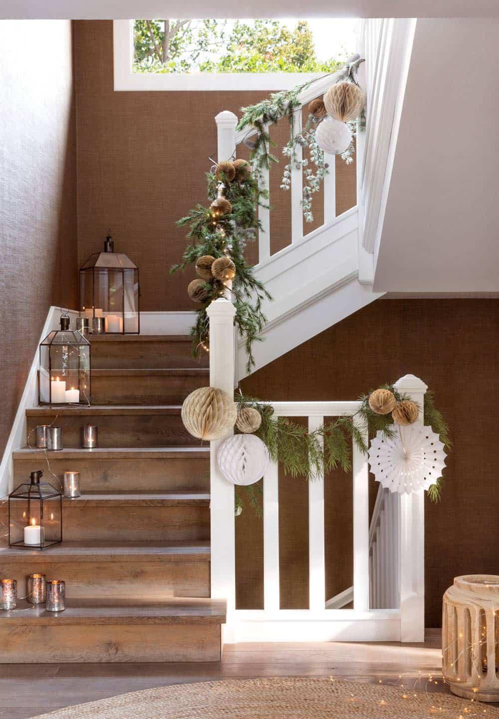 christmas-decor-ideas-staircase