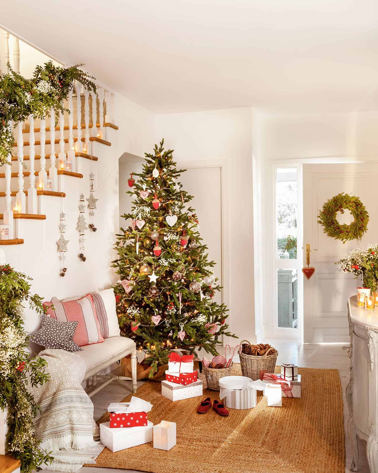 christmas-decor-ideas-entry