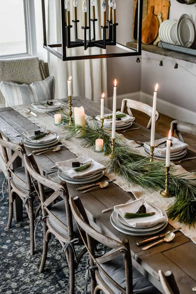 gorgeous-christmas-table-setting-ideas-modern-farmhouse-style