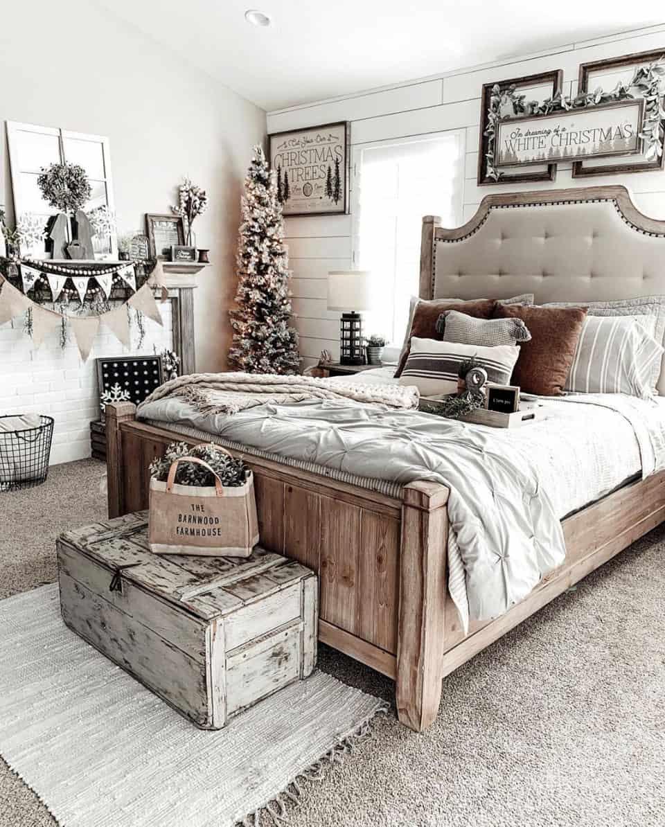 gorgeous-flocked-christmas-tree-ideas-bedroom