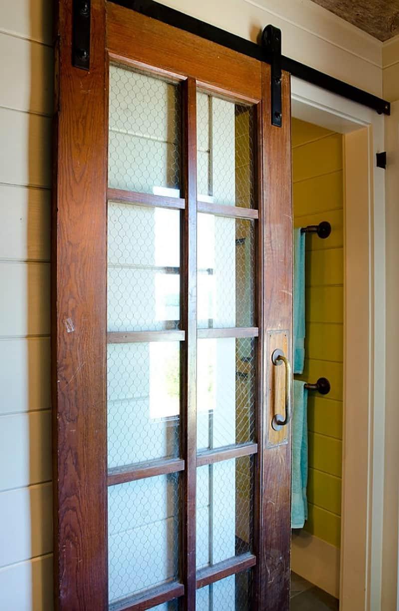 rustic-sliding-door-detail