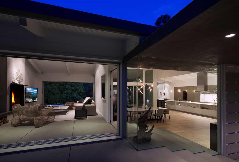 midcentury-home-patio