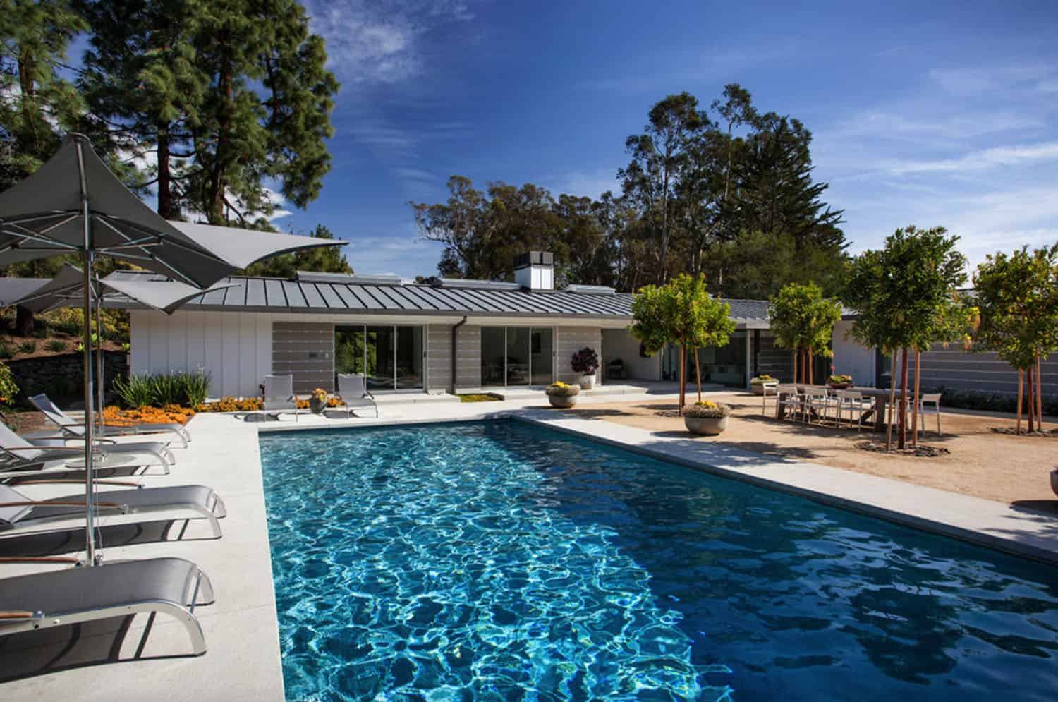 midcentury-ranch-house-swimming-pool