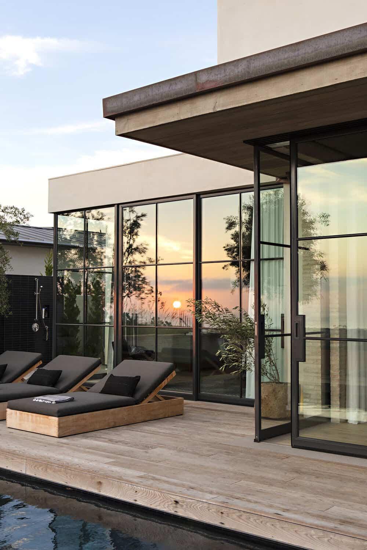 modern-house-exterior-deck