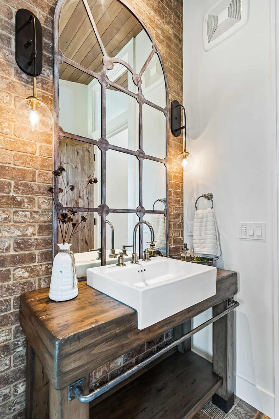 farmhouse-powder-bathroom