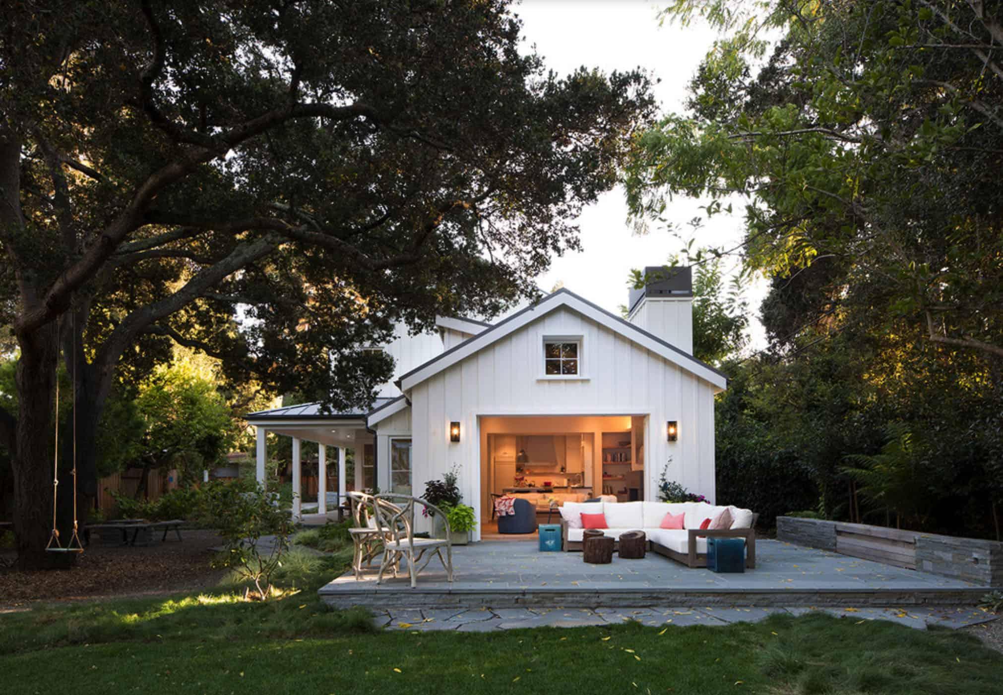 residence-farmhouse-patio
