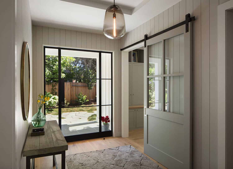 residence-farmhouse-entry