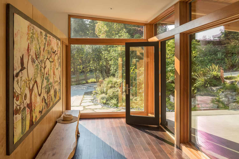 modern-hillside-home-entry