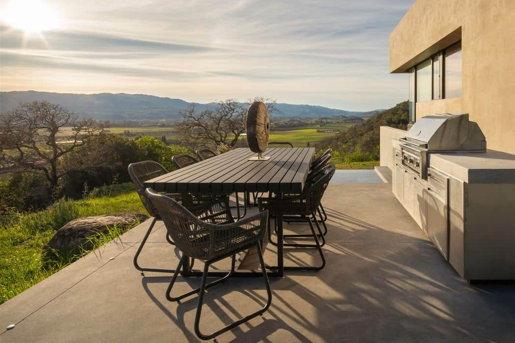 modern-outdoor-patio