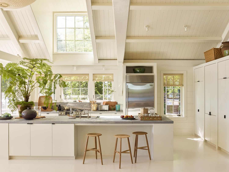 modern-seaside-home-kitchen