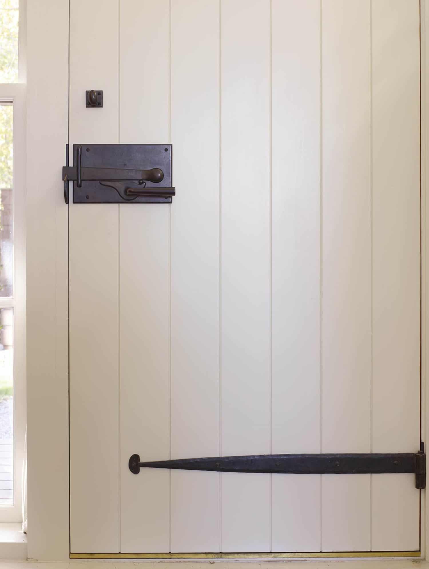 modern-shiplap-door-detail
